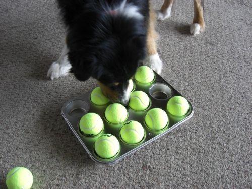 игра с формочками и мячиками